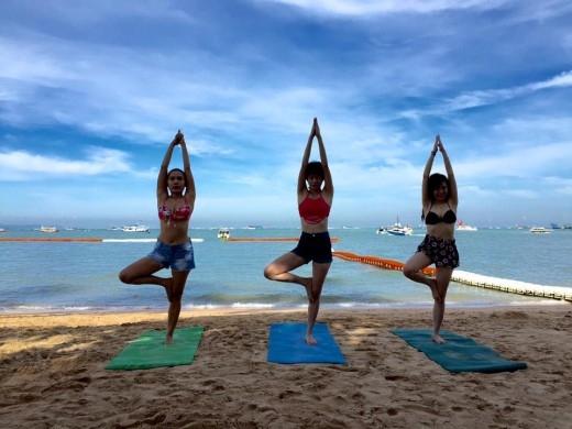Hot girl Tú Linh diện bikini tại Pattaya