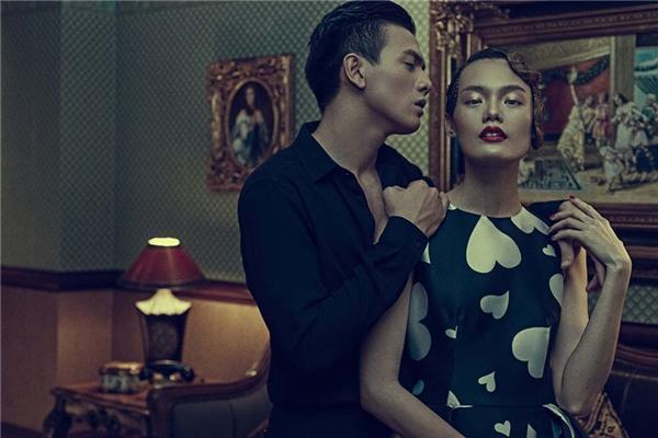Lê Xuân Tiền lịch lãm với cả cây đen mạnh mẽ, cá tính. Lê Thanh Thảo trở thành người tình bé nhỏ trong vòng tay người yêu với bộ váy xòe thanh lịch, kín đáo.
