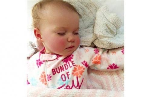 Nếu bé Celia không đánh thức mẹvào đêm đó, ắt hẳnsẽ có một bi kịch đau lòng xảy ra. (Ảnh: The Canadian Press)