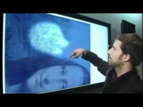 Họa sĩRon Piccirillotrình bày về phát hiện của mình. (Ảnh: ABC News)