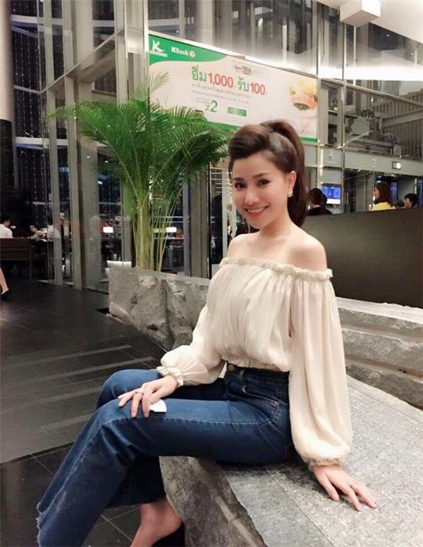 Minh Thảo được cộng đồng mạng quan tâm hơn từ khi hẹn hò với anh trai của nữ ca sĩ Bảo Thy.