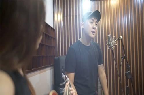 Hotboy Hàn khiến fan ngất ngây khi cover