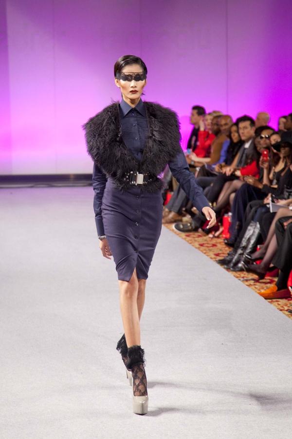 Hoàng Thùy trình diễn thời trang trong show của nhà thiết kếEdwing D'Angelo tạikhuôn khổ New York Couture Fashion Week. - Tin sao Viet - Tin tuc sao Viet - Scandal sao Viet - Tin tuc cua Sao - Tin cua Sao
