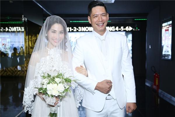 Bình Minh cười tít mắt vì được lấy vợ lần thứ hai. - Tin sao Viet - Tin tuc sao Viet - Scandal sao Viet - Tin tuc cua Sao - Tin cua Sao