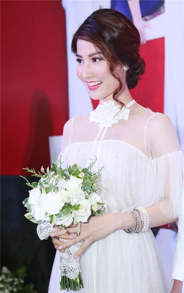 """Cận cảnh vẻ xinh đẹp lộng lẫy, """"khó cưỡng"""" của cô dâu Diễm My - Tin sao Viet - Tin tuc sao Viet - Scandal sao Viet - Tin tuc cua Sao - Tin cua Sao"""