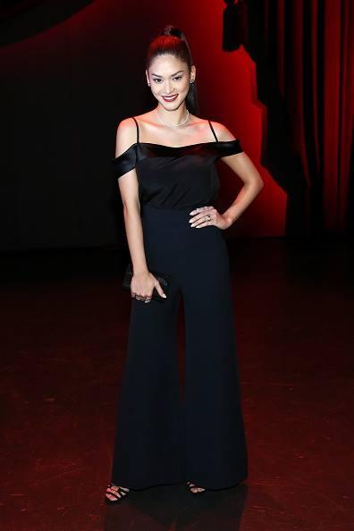 Trên một số thảm đỏ gần đây, gu thời trang của Pia có sự thay đổi khá rõ rệt. Nhiều lời khen được dành tặng cho Hoa hậu Hoàn vũ 2015.