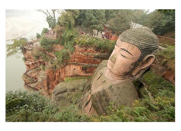 Không chỉ là điểm tham quan lí thú, Lạc Sơn Đại Phật còn đóng vai trò quan trọng trong nghiên cứu khảo cổ.(Ảnh: Internet)