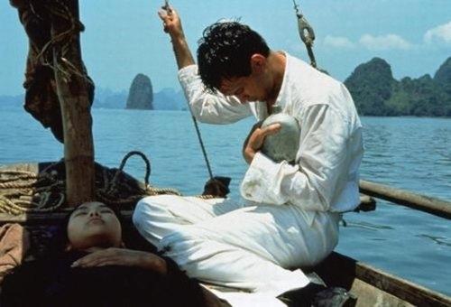 Vịnh Hạ Long cũng được chọn làm bối cảnh trong phim