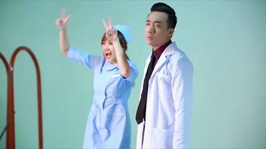 Trấn Thành Hari Won trong hậu trường chụp ảnh phim mới