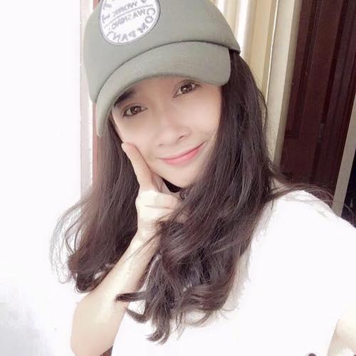 Cònem gái Nhã Phương tên thật là Phương Anh, sinh năm 1992, hiện đang theo học ngành điện ảnh. Phương Anh cũng có mong muốn trở thành diễn viên như chị gái của mình. - Tin sao Viet - Tin tuc sao Viet - Scandal sao Viet - Tin tuc cua Sao - Tin cua Sao