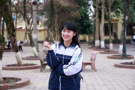 Bạn nữ nói được 7 thứ tiếng Khánh Vy hiện đang học lớp chuyên Anh. (Ảnh: Internet)