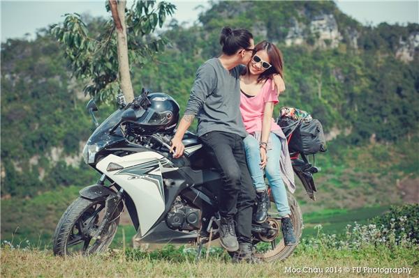 """Cặp đôi không chỉ khiến nhiều người phải trầm trồ vì độ đẹp đôi mà còn phải """"hậm hực"""" ghen tị vì quá lãng mạn và ngọt ngào. (Ảnh: Internet)"""