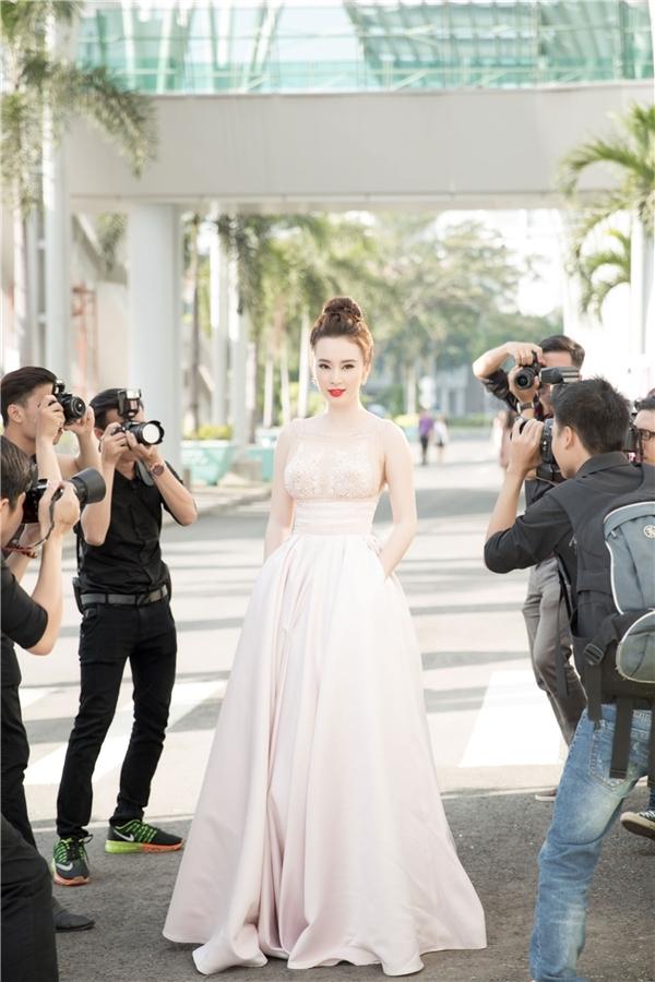 Angela Phương Trinh và gu thời trang ngày càng đẳng cấp