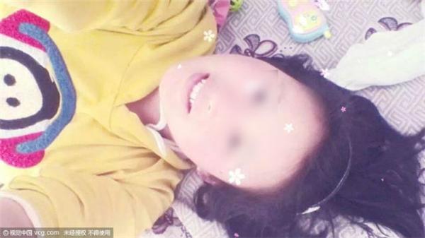 Nằm viện vì sẩy thai, người phụ nữ bị chồng bóp cổ đến chết