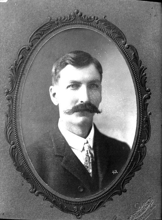 Henry Gurholdt là một trong những người bị giết. (Ảnh: Internet)