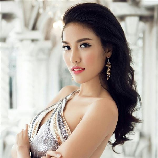Lan Khuê xếp vị trí thứ 19 với số điểm là 3.545. Tại Hoa hậu Thế giới 2015, đại diện Việt Nam được đánh giá rất cao nhưng liên tục bị chèn ép khiến Lan Khuê chỉ dừng chân ở top 11. Tuy nhiên vị trí của cô cùng giải thưởng phụ cũng đã mang về 2,1 điểm giúp Việt Nam tăng 11 bậc trên bản đồ nhan sắc thế giới. - Tin sao Viet - Tin tuc sao Viet - Scandal sao Viet - Tin tuc cua Sao - Tin cua Sao