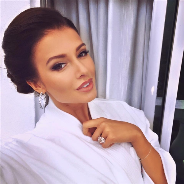 4. Á hậu 1 Hoa hậu Thế giới 2015 - Sofia Nikitchuk (Nga) - 4.500 - Tin sao Viet - Tin tuc sao Viet - Scandal sao Viet - Tin tuc cua Sao - Tin cua Sao