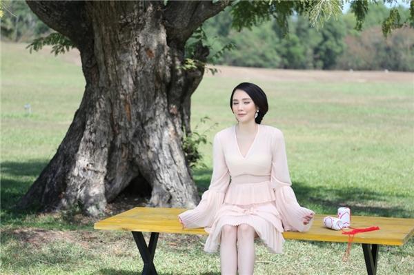 Image result for dáng Hồ Quỳnh Hương