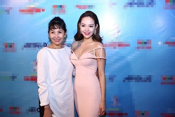 """Nhan sắc rạng rỡ của nữ giám khảo khách mời khiến nhiều người không khỏi """"xao xuyến"""", - Tin sao Viet - Tin tuc sao Viet - Scandal sao Viet - Tin tuc cua Sao - Tin cua Sao"""