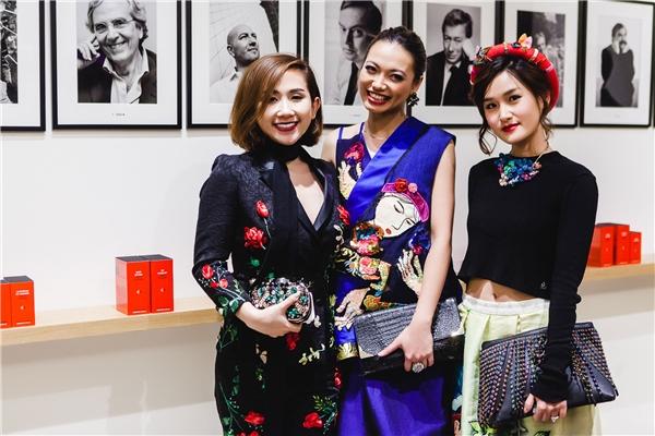 Trâm Nguyễn hội ngộ cùng một số fashionista Việt tại đây.