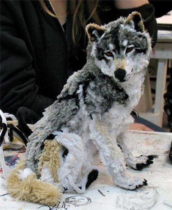 Đây là con chó sói nhồi bông. (Ảnh: Reddit)