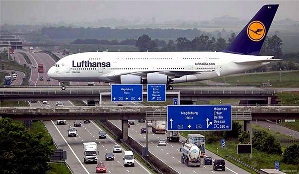 Đường đáp tại sân bay Leipzig trên đường cao tốc. (Ảnh: Internet)