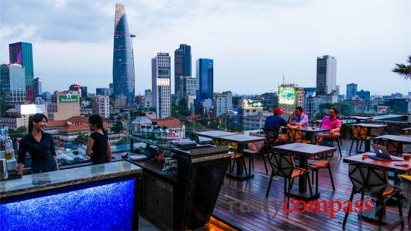 OMG Rooftop Bar (Ảnh: Internet)