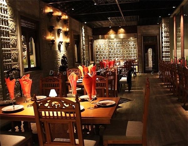 Hay đến với Cham Charm để thưởng thức buffet trong không gian nội thất sang trọng và tầm nhìn đẹp.(Ảnh: Internet)