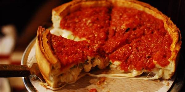 Pizza nhân phô mai – Cowboy Jack's Piza, Võ Văn Tần, quận 3.(Ảnh: Internet)