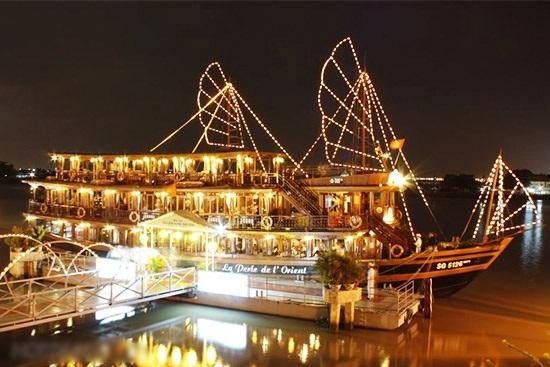 Sao không thử trải nghiệm một 8/3 thật lạ với việc du thuyền trên sông?(Ảnh: Internet)