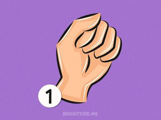 Kiểu nắm tay thứ 1 là đặc trưng cho tính cách nhân hậu. (Ảnh: Internet)