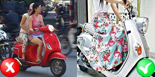 Ngoài ra nếu lỡ quên váy chống nắng thì khi chạy xe bạn cũng nên ý tứ ngồi khép hai chân lại và tuyệt đối không mặc váy ngắn cũn cỡn ngồi xe máy. (Ảnh: Internet)