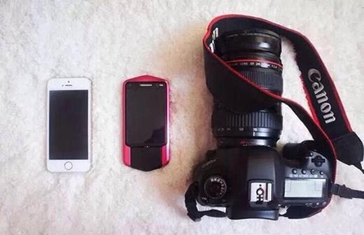 """Trước tiên bạn phải chuẩn bị đúng """"đồ nghề"""" thích hợp như máy ảnh chuyên nghiệp và những chiếc điện thoại có ống kính góc rộng. Như vậy ảnh của bạn sẽ đẹp hơn hẳn. (Ảnh: Internet)"""