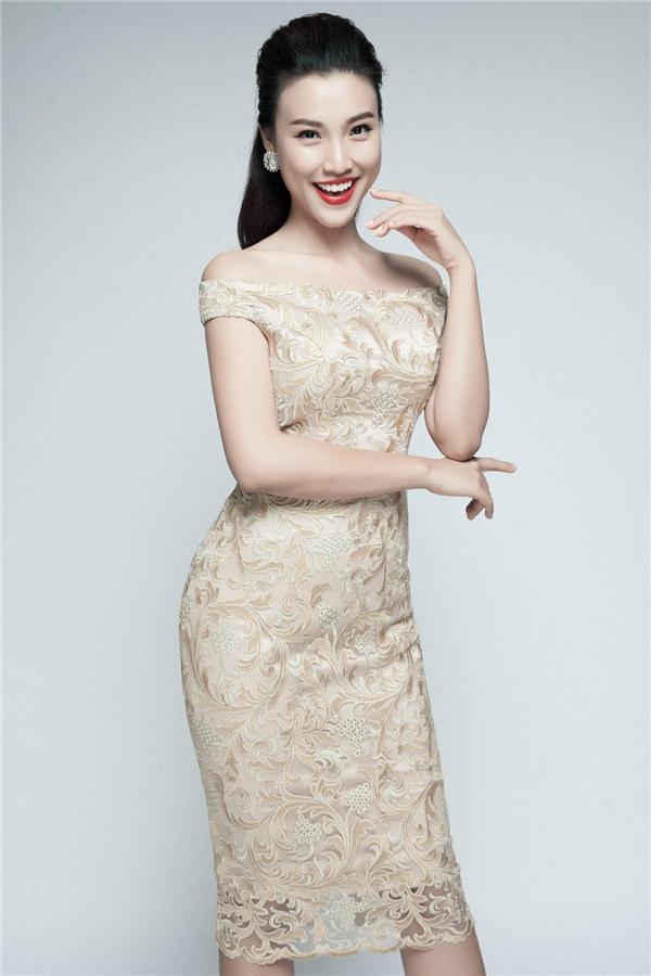 Phong cách thời trang trẻ trung, hiện đại là một trong những yếu tố giúp Hoàng Oanh nổi bật trước công chúng. - Tin sao Viet - Tin tuc sao Viet - Scandal sao Viet - Tin tuc cua Sao - Tin cua Sao