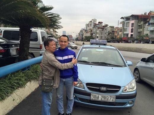 Cảm kích tài xế taxi tìm và trả lại iPhone 6 Plus cho khách bỏ quên