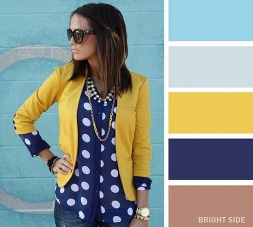 """Với một chiếc áo khoác màu chanh nổi bần bật thế này thì bạn chỉ nên diện với các món đồ có màu """"chìm"""" hơn như xanh da trời, xanh ghi nhạt, xanh dương sâm và màu nâu be. (Ảnh: Internet)"""