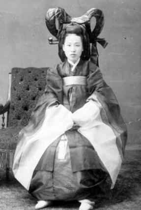 Mẫu phi của Triều Tiên trong bộ trang phục truyền thống.(Ảnh: Internet)