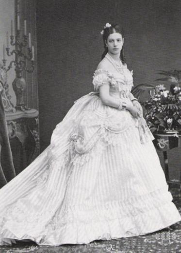 Maria Feodorovna (1847 – 1928) là công chúa Đan Mạch và Hoàng hậu của Nga, tức vợ của Sa hoàng Alexander III. Bà là con gái thứ hai của vua Christian IX của Đan Mạch và hoàng hậu Louise của Hesse-Cassel.(Ảnh: Internet)