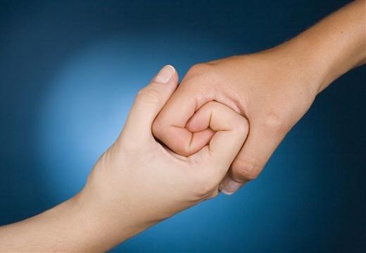 Thân thiện, cởi mở là tính cách của người có 2 hoa tay trên cùng bàn tay. (Ảnh: Internet)