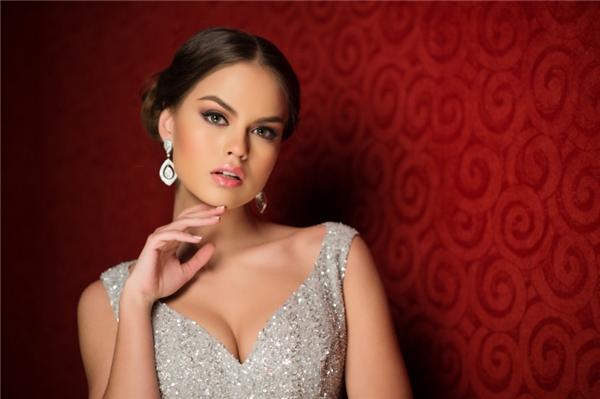 Hoa hậu Colombia được bầu chọn là người phụ nữ gợi cảm nhất đương đại