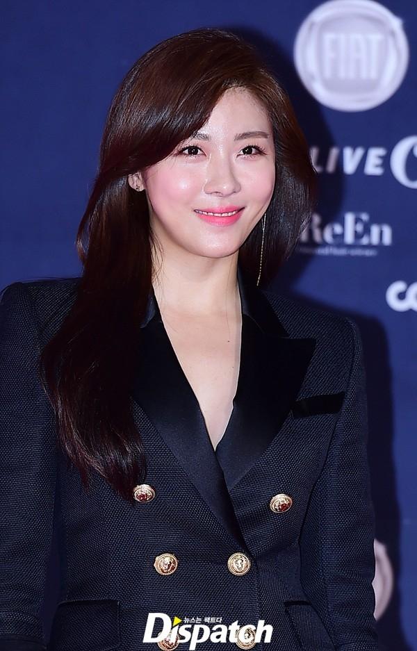 """""""Hoàng hậu Ki"""" Ha Ji Won xinh đẹp ở tuổi 38."""