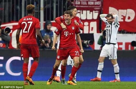 Bàn thắng của Muller ở phút 90+1 đã giúp Bayern trở về từ cõi chết
