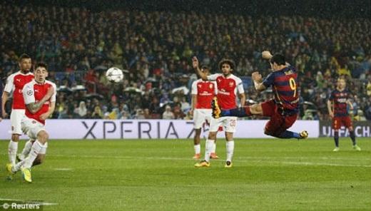 """Barca không cho Arsenal cơ hội """"ngẩng cao đầu"""" với chiến thắng thuyết phục"""