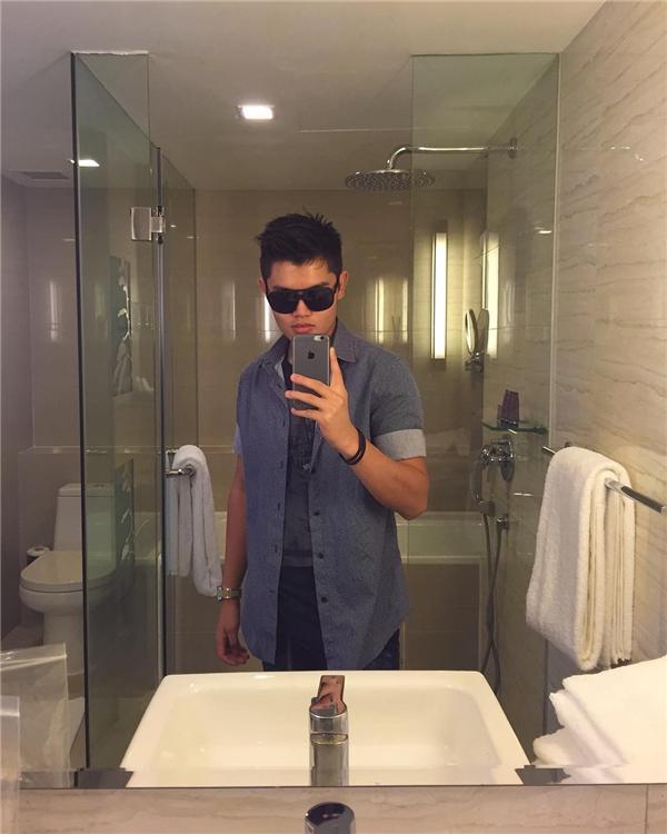 Ngay cả phòng tắm mà cũng sang chảnh thế này! (Ảnh: Instagram)