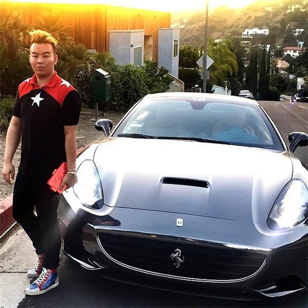 """Lại """"phát hờn"""" với hội con nhà giàu Singapore trên Instagram"""