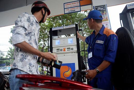 Giá xăng sẽ tăng vào ngày mai? (Ảnh: Internet)