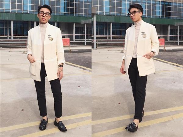 Chiếc áo lấy phom từ áo vest truyền thống kết hợp hai tông màu ngọt ngào mang lại vẻ ngoài trẻ trung, tươi mới.