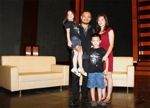 Gia đình nhỏ hạnh phúc của Trần Lập và vợ. (Ảnh: Internet) - Tin sao Viet - Tin tuc sao Viet - Scandal sao Viet - Tin tuc cua Sao - Tin cua Sao
