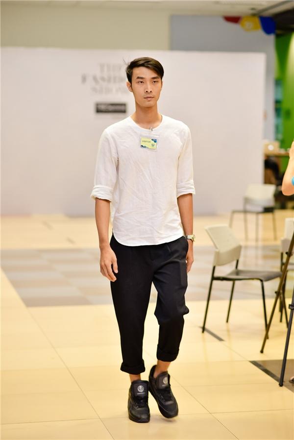 Các người mẫu hăng say tập luyện để có được phần trình diễn tốt nhất cho 5 bộ sưu tập của các nhà thiết kế: Võ Công Khanh, Nguyễn Hoàng Tú, Đặng Hải Yến, Tùng Vũ và Phi Phạm.