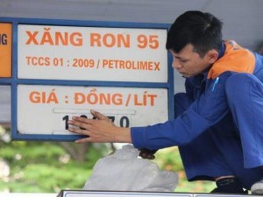 Xăng dầu vừa được điều chỉnh chiều nay.